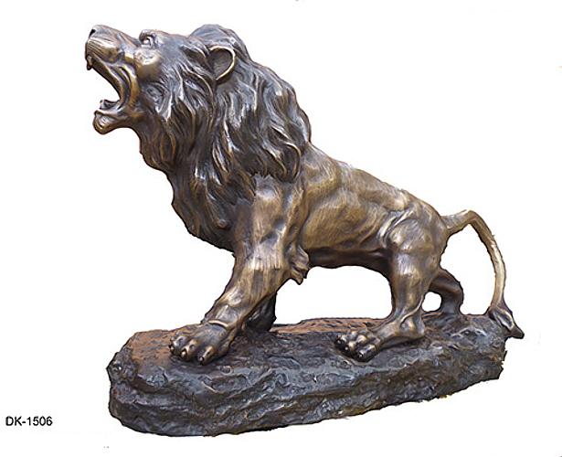 Bronze Lion Statues - DK 1506