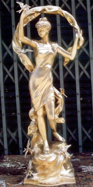 Bronze Lady w/Bird Statue - DK 1639G