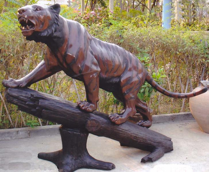Bronze Tiger Statues - DK 2196