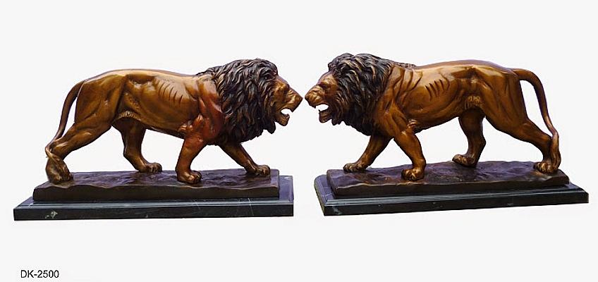 Bronze Lion Statues - DK 2500