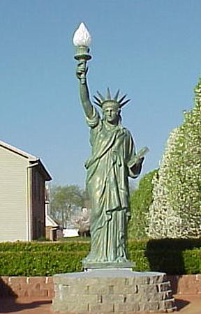 Bronze Statue of Liberty Fountain - DD E-321 F