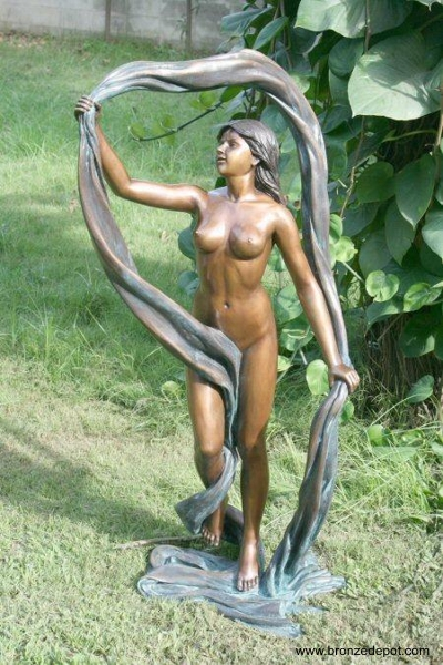 Nude Statues